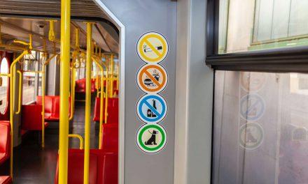 Turisták figyelem! Tilos enni a bécsi metrókon!