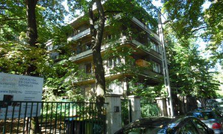 Bauhaus jelleg a Mese és Monda utca között